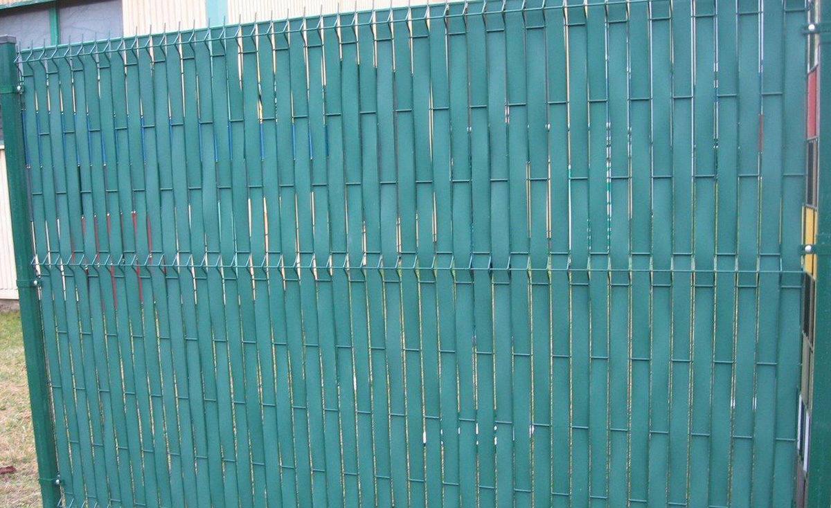 Taśmy ogrodzeniowe z polipropylenu - system montażu pionowego
